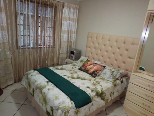, Apartment / Flat, 2 Bedrooms - ZAR 1,100,000